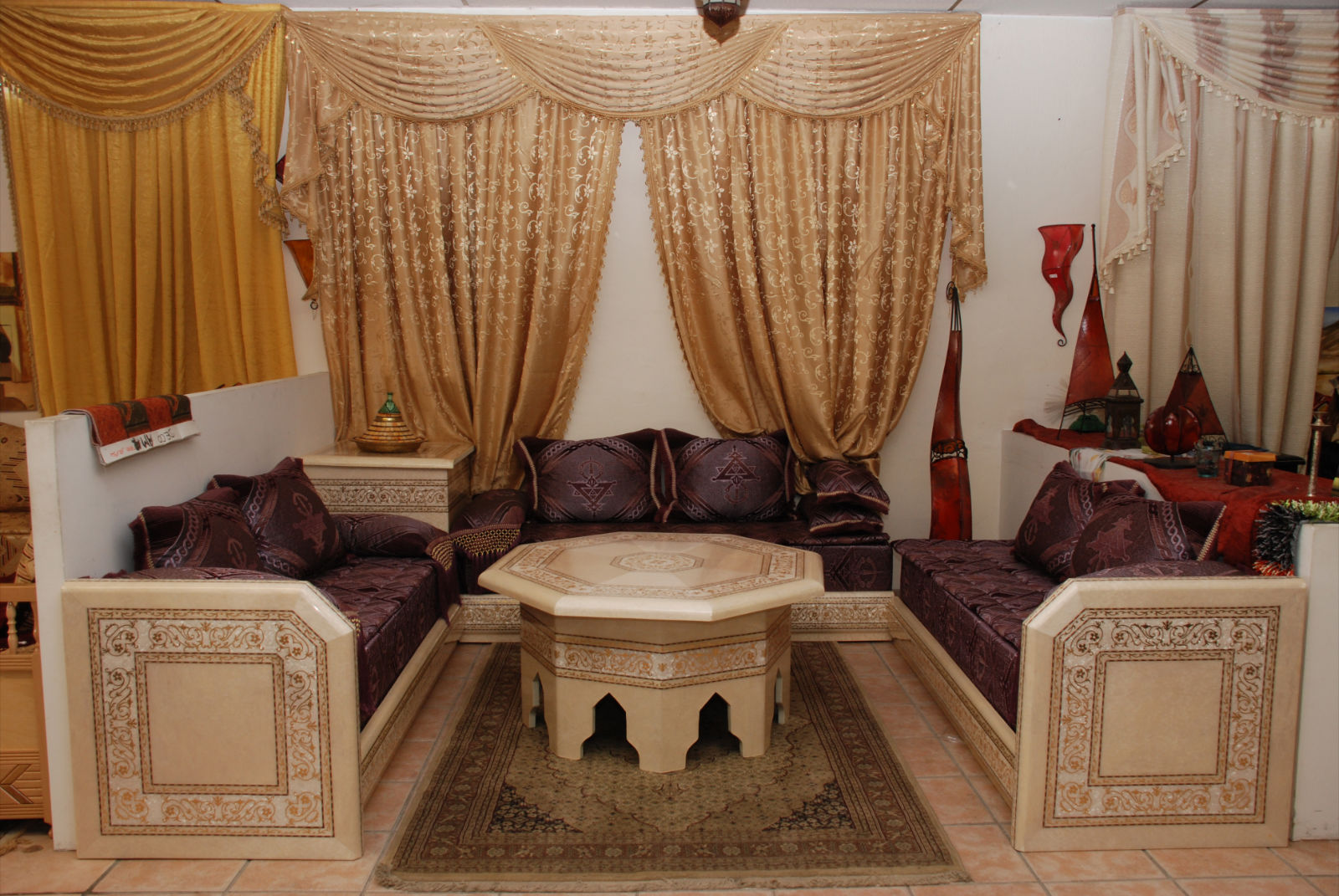 Salon marocain marron et beige id es de - Decoration salon beige et marron ...