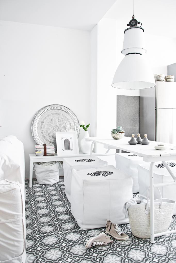 Salon moderne oriental d\'inspiration marocaine - Décor salon ...