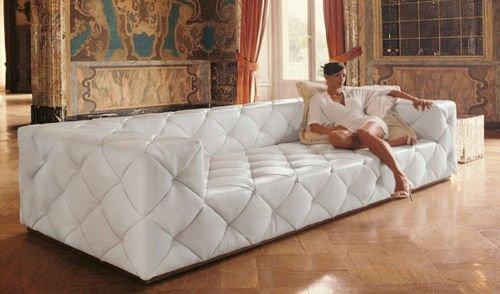 canape en cuir d'un couleur blanc de luxe élégant