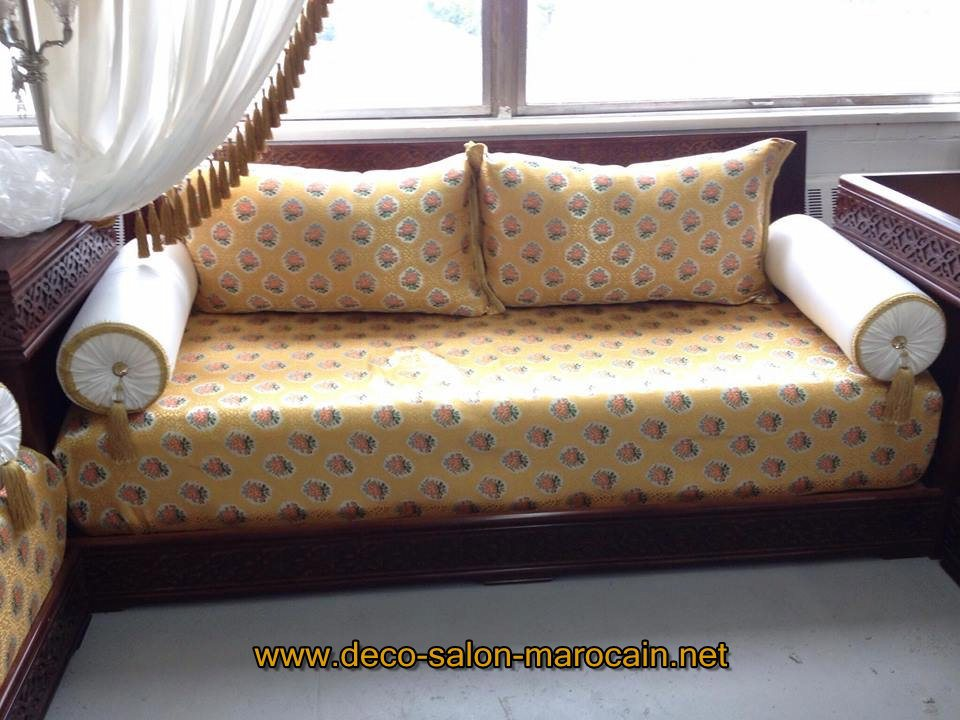 Salon marocain noir et blanc maison design for K meuble salon marocain