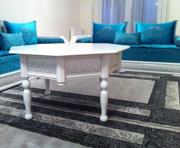 salon marocain bleu et blanc
