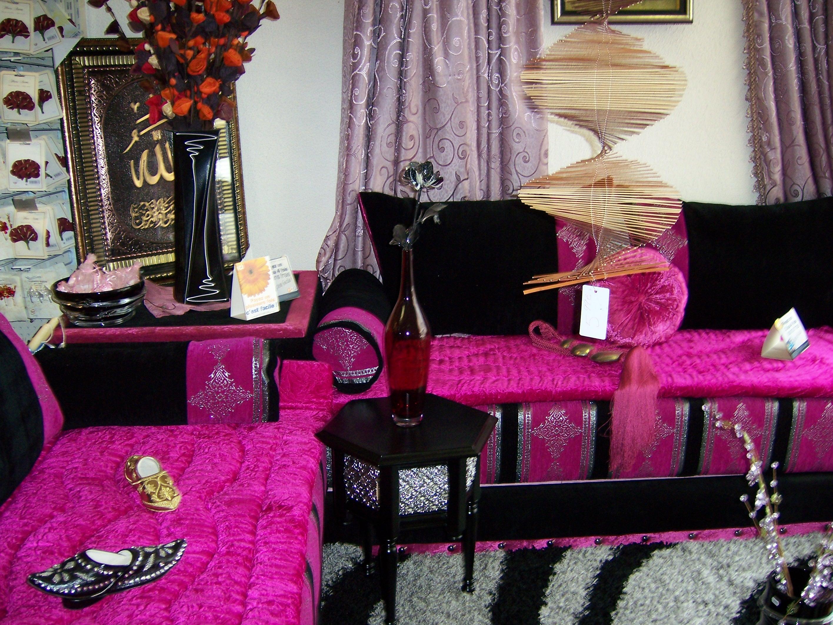 salon très chic en couleur rose