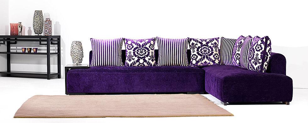 salon marocain moderne en violet