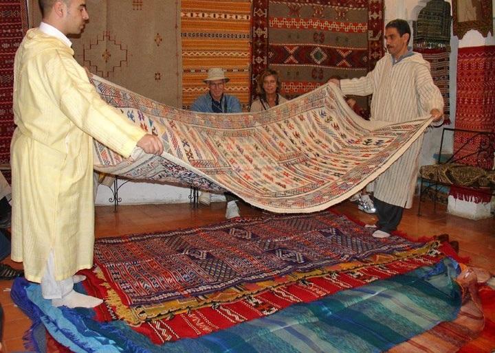 salon-marocain-tapisserie