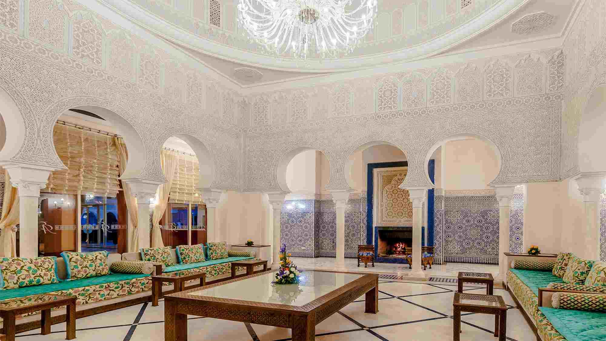 D coration marocaine en mosa que pour salon d cor salon for Gabs marocain moderne