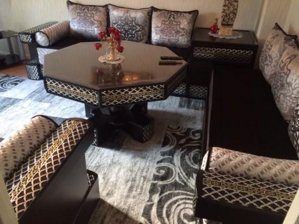commet acheter un salon marocain avignon d cor salon. Black Bedroom Furniture Sets. Home Design Ideas